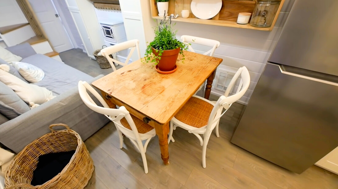 Space Saving Dining Tables For Tiny House